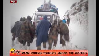 Indian Army rescues 127 blizzard-stuck tourists near Tawang