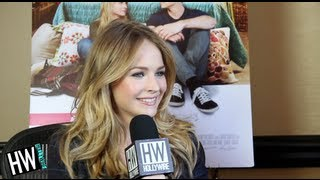 Nonton Britt Robertson Talks Kissing Dylan O Brien In  The First Time  Film Subtitle Indonesia Streaming Movie Download