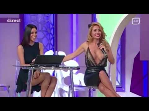 TV presenter left exposed by on air wardrobe malfunction but doesnt even notice (видео)