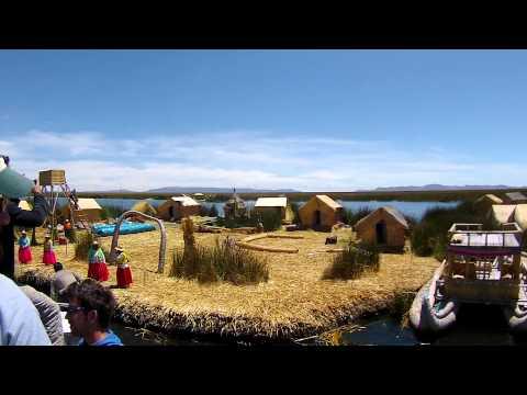 Visita às ilhas dos Uros no Lago Titicaca