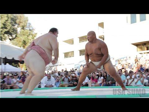 相撲比賽讓全場觀衆High翻的制勝一擊!