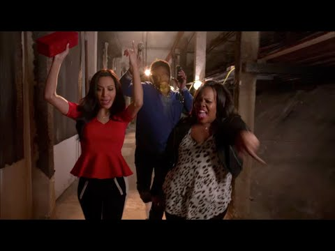 "GLEE - Full Performance of ""Doo Wop (That Thing)"" from ""The Back-Up Plan"