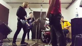 Video Master- Hlavolam (live at the reheresal)