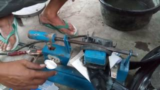 Video Enggak nonton rugi ... .Alat Tambal Ban otomatis pertama di Indonesia. Karya anak bangsa MP3, 3GP, MP4, WEBM, AVI, FLV April 2019