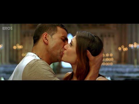 Video Kareena & Akshay Kumar kissing on screen download in MP3, 3GP, MP4, WEBM, AVI, FLV January 2017