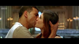 Video Kareena & Akshay Kumar kissing on screen MP3, 3GP, MP4, WEBM, AVI, FLV Oktober 2018