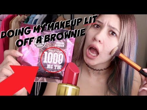 I *TRIED* DOING MY MAKEUP WHILE ON A 1000MG EDIBLE // LIFEBEINGDEST (видео)
