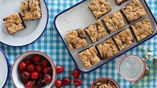 """Watch as Lindsay Strand creates a chocolate-chip cookie and brownie hybrid, aka the """"brookie"""", that's the perfect one-hand dessert to serve at family-friendly picnics or as a Father's Day treat.Get the recipe: http://www.marthastewart.com/1516241/chocolate-chip-streusel-browniesSubscribe for more easy and delicious recipes: http://full.sc/P8YgBt---------------------------------------------------------------Want more? Sign up to get the Everyday Food video recipe email, served daily.Get recipe emails: http://www.marthastewart.com/edfWant more Martha? Twitter: http://twitter.com/marthastewartFacebook: https://www.facebook.com/MarthaStewartPinterest: https://www.pinterest.com/marthastewart/Instagram: https://www.instagram.com/marthastewart/Google Plus: https://plus.google.com/+MarthaStewart/posts Sarah Carey is the editor of Everyday Food magazine and her job is to come up with the best ways to make fast, delicious food at home. But she's also a mom to two hungry kids, so the question """"What's for dinner?"""" is never far from her mind -- or theirs, it seems! Her days can get crazy busy (whose don't?), so these videos are all about her favorite fast, fresh meals -- and the tricks she uses to make it all SO much easier.http://www.youtube.com/user/everydayfoodvideos"""