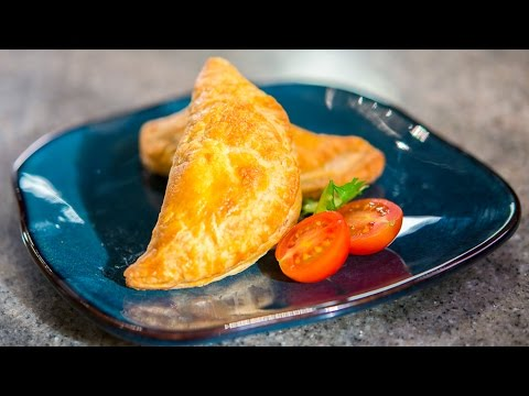 Empanadas Stuffed with Tomatoes, Cheese and Chicken