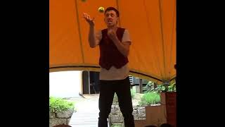 Ein Jongleur packt aus (Trailer)
