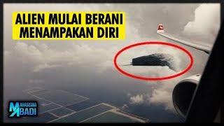 Video Ada di Indonesia !?! 5 PENAMPAKAN UFO PALING NYATA YANG TERJADI DI TAHUN 2018 MP3, 3GP, MP4, WEBM, AVI, FLV April 2019