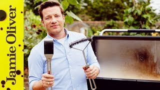 For an awesome 30% discount on Jamie's BBQs in the UK click: http://jamieol.com/JObbq At some point we've all been guilty of not looking after our BBQs, but Jamie is here to help with a couple quick and (most importantly) easy tips on how to maintain a clean grill.Links from the video:Jamie's top 5 BBQ Tips  http://jamieol.com/BBQtipsFor more information on any Jamie Oliver products featured on the channel click here: http://www.jamieoliver.com/shop/homeware/For more nutrition info, click here: http://jamieol.com/NutritionSubscribe to Food Tube  http://jamieol.com/FoodTubeSubscribe to Drinks Tube  http://jamieol.com/DrinksTubeSubscribe to Family Food Tube  http://jamieol.com/FamilyFoodTubeTwitter  http://jamieol.com/FTTwitterInstagram http://jamieol.com/FTInstagramFacebook  http://jamieol.com/FTFacebookMore great recipes  http://www.jamieoliver.comJamie's Recipes App  http://jamieol.com/JamieApp#FOODTUBEx