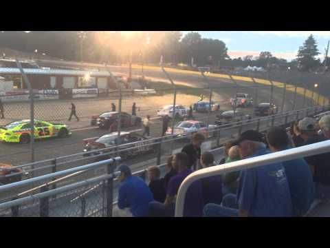 2015 Federated Auto Parts 200 - Starting Grid