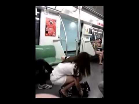 豪放姐,上海地鐵直接換水手服…