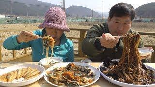 어머니가 좋아하시는 [[양장피(Yangjangpi]]와 짜장면(Jajangmyeon) 먹방!! - Mukbang eating show