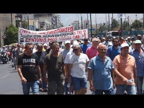 Πορεία λιμενεργατών προς το Υπουργείο Ναυτιλίας