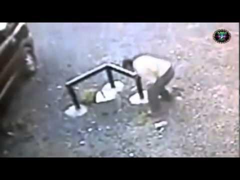 tre diverse persone vengono attaccate da entità paranormali