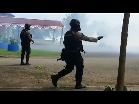 Indonesien: Massenproteste - die Regierung sperrt das ...