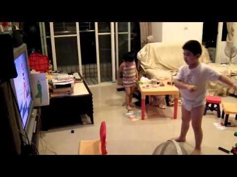 韓國美魔女鄭多燕的減肥操連小朋友都愛!當媽媽一播放兩兄弟竟然都?!