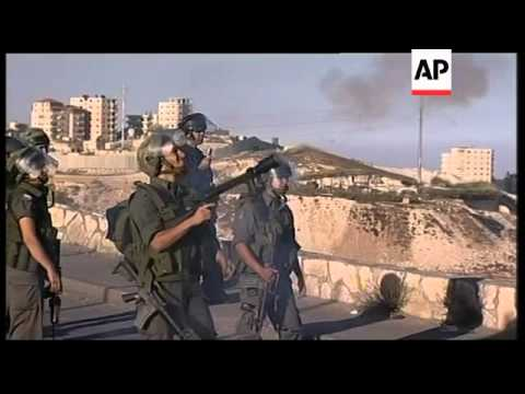 +4:3 Clashes as Palestinians protest demolition of buildings
