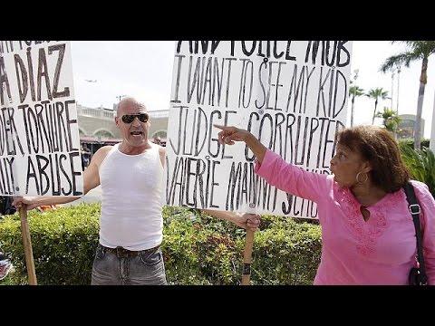 ΗΠΑ: Ποικίλες αντιδράσεις κατά την έπαρση της κουβανικής σημαίας
