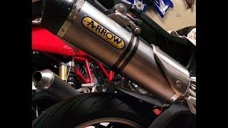 7. 2010 Triumph Tiger 1050 SE Arrow Race Exhaust vs Stock Setup