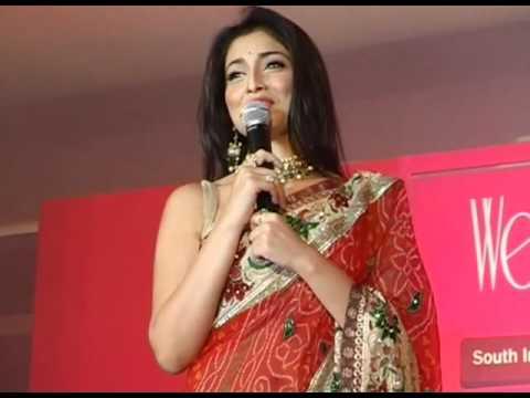 South siren Shriya Saran launches 'Wedding Vows' Magazine