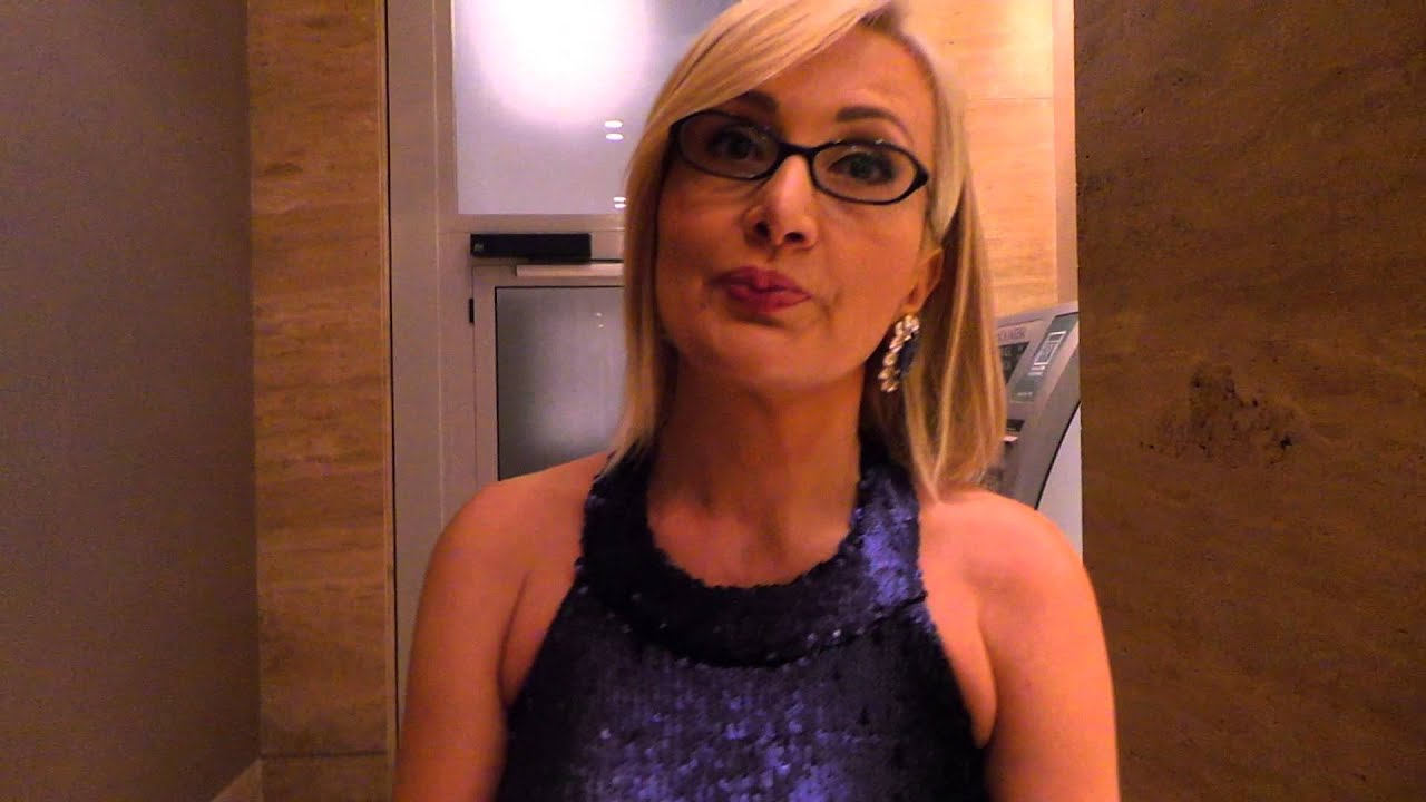 Pinkove Zvezdice: Leontina Vukomanovic – Strogoca sedi u sredini!