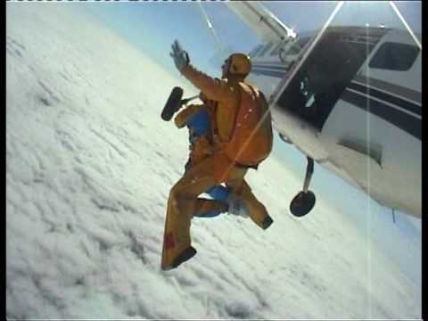 Jenni Lee Tandem Skydive August 2009 (видео)