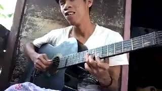 Keren!!!!! Tuna Netra ini Mahir bermain gitar