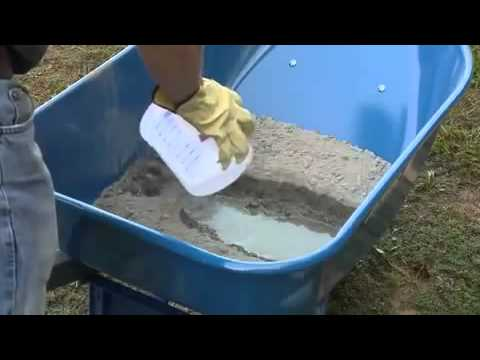 How to Hand Mix QUIKRETE® Concrete Low