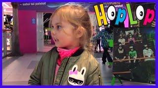 Сегодня Кира приехала в Тампере Идеяпарк где находятся Фан парк и Хоп Лоп. Это место особенное, оно наполнен...
