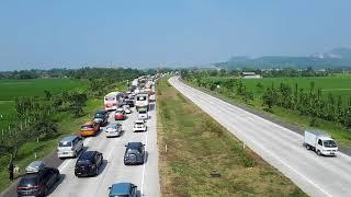Video Pantauan arus #mudik di Tol Cipali Jawa Barat mulai terjadi kepadatan pada H-6 Jumat 09-06-2018 MP3, 3GP, MP4, WEBM, AVI, FLV Juni 2018