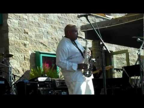 Albrigth - Gerald Albright Performs Winelight Live at Thornton Winery.