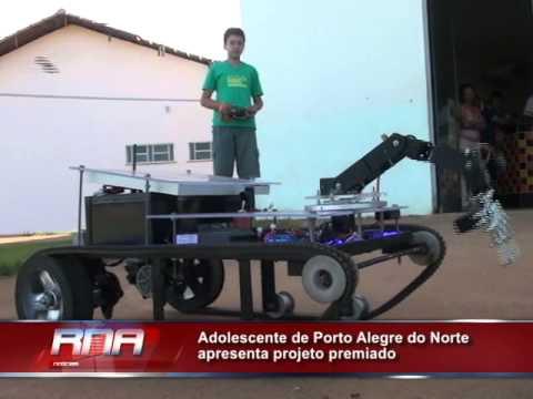 Adolescente de Porto Alegre do Norte apresenta projeto premiado de robô espião para o Governador do