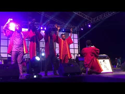 WOLI AGBA AND DELE PRAISE WITH TOPE ALABI ON STAGE...