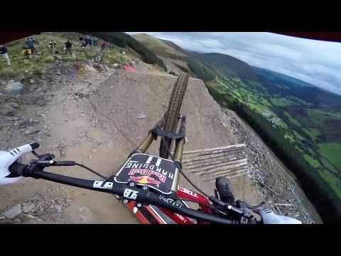 Dan Atherton Sends It Down the Hardline MTB Track | Red Bull Hardline: GoPro View (видео)