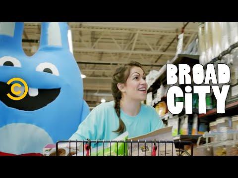 Broad City - Abbi and Bingo Bronson Go to Whole Foods