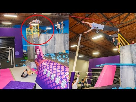GIANT SUPER TRAMPOLINE PARK GAP OVER PERSON!!!! (видео)