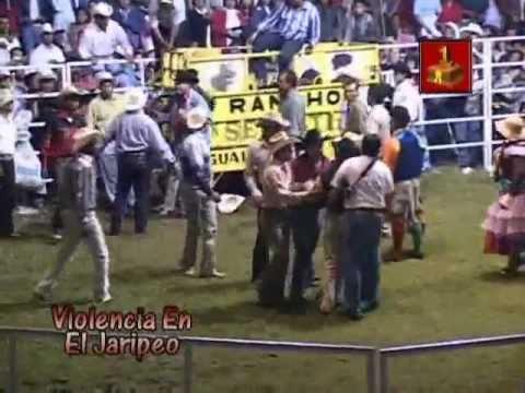 Arma Bronca el Aguilita de Zepayautla (Violencia en el Jaripeo)