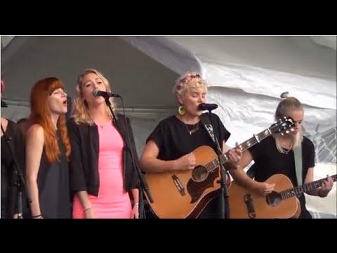 Det är nu det händer - Marit Bergman & Cecilia Nordlund Allmänna kvinnokören Live! @ Södra teatern (видео)