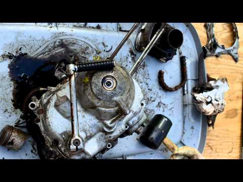1973 Honda ST90 – Part 4, Removing clutch and flywheel covers