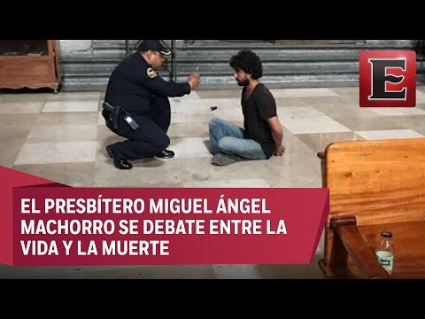 Joven apuñala a sacerdote en la Catedral Metropolitana