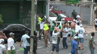 No clássico do dia 08/02/2015 Palmeiras x Corinthians, houveram confrontos de torcedores palmeirenses com os policiais na...