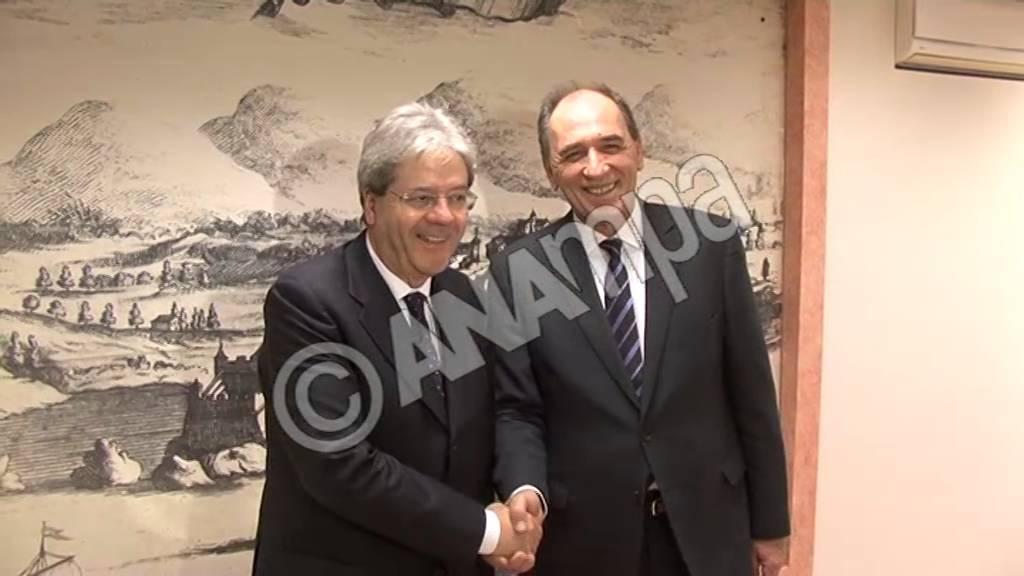 Η ενίσχυση της συνεργασίας στον τομέα της ενέργειας στο επίκεντρο της συνάντησης Σταθάκη-Τζεντιλόνι