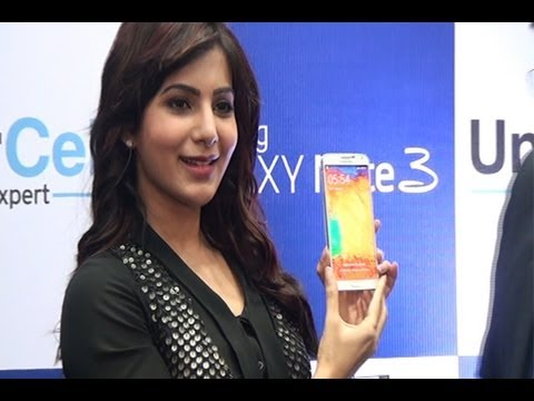 Samantha launches Samsung Galaxy Note III | Samantha Ruth Prabhu - BW