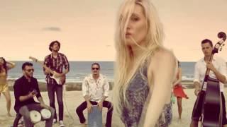 Jenny and The Mexicats - Frenetico Ritmo (Videoclip Oficial)