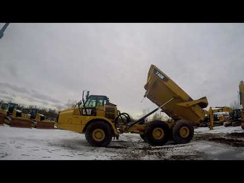 CATERPILLAR ARTICULATED TRUCKS 740B equipment video Dm-kbEdti_4
