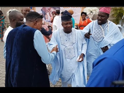 Sanyeri, Afeez Owo storms out in Style as fans rush them at Abimbola& Okiki Wedding