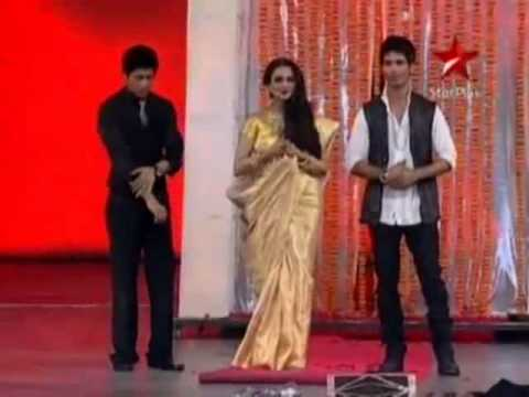 Video new year in bollywood all star in rekha best performing with shahrukh khan download in MP3, 3GP, MP4, WEBM, AVI, FLV January 2017